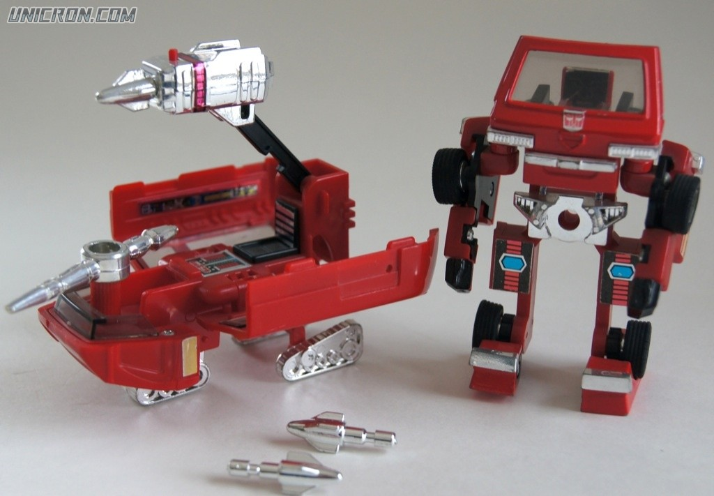 [Masterpiece] MP-27 Ironhide/Rhino - Page 3 DSC02184-10225-1300-1300-90-wm-left_top-100-Unicroncomwatermarkpng