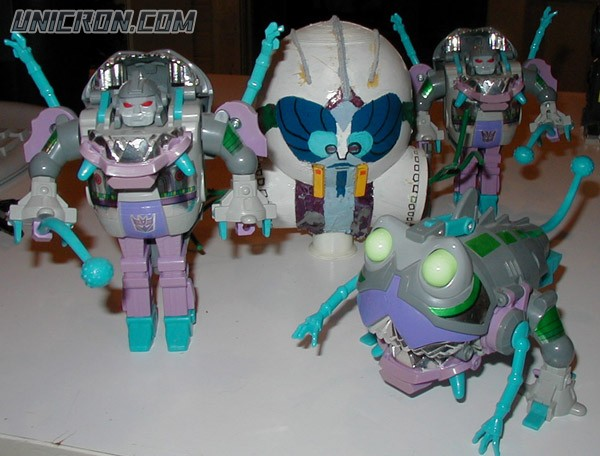 Transformers Generation 1 Gnaw (Sharkticon) toy