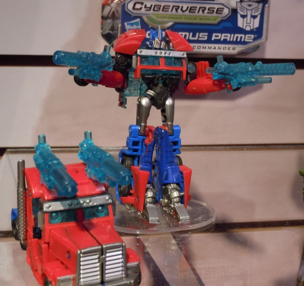 Transformers Cyberverse Optimus Prime (Cyberverse Commander) toy