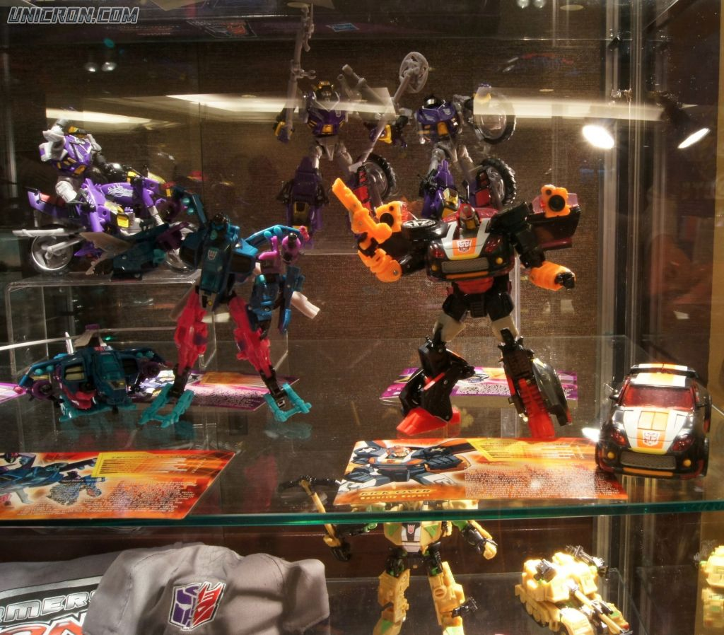 Transformers Timelines Shattered Glass Junkheap toy