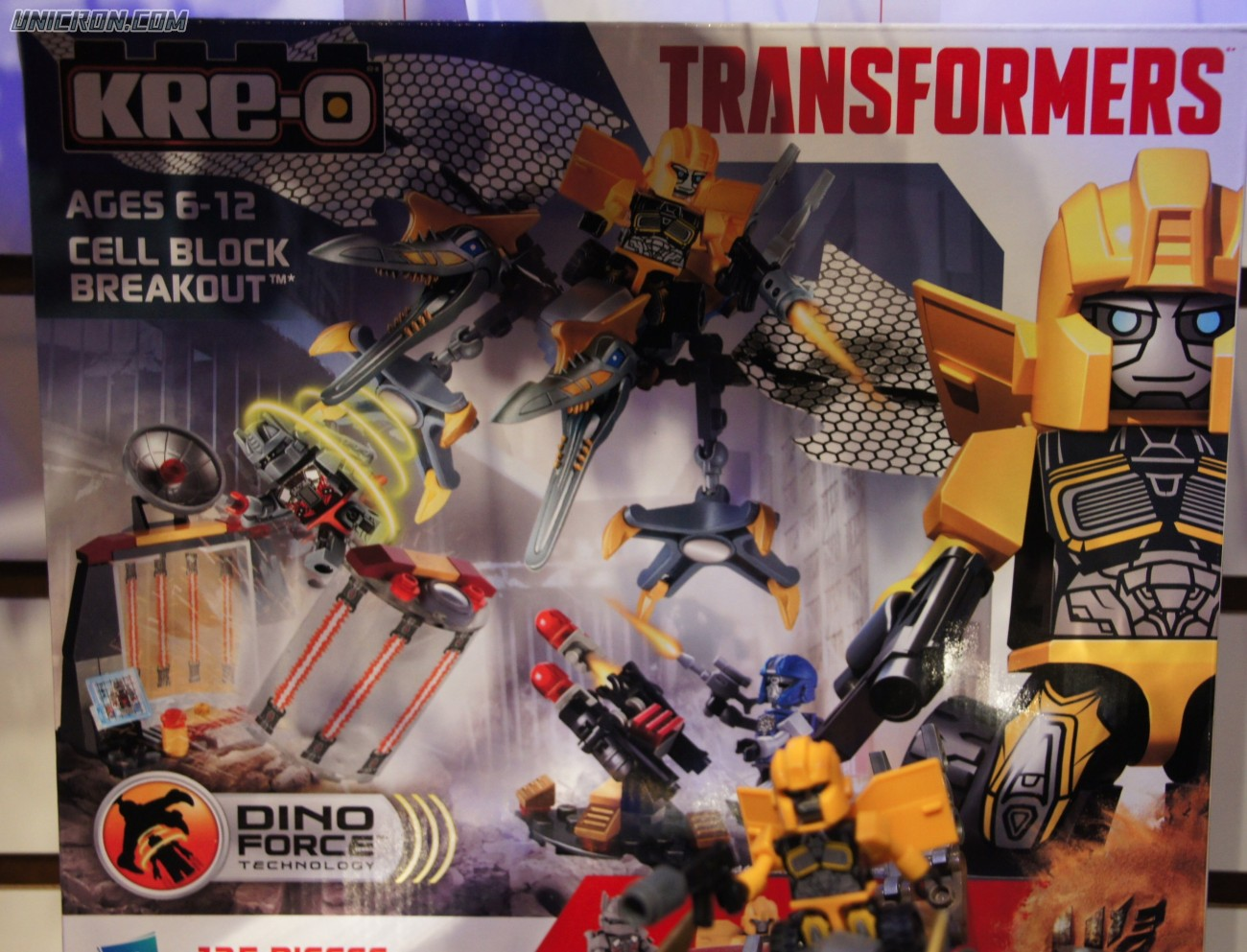 Transformers Kre-O Cell Block Breakout (Kre-O with Bumblebee and Strafe) toy