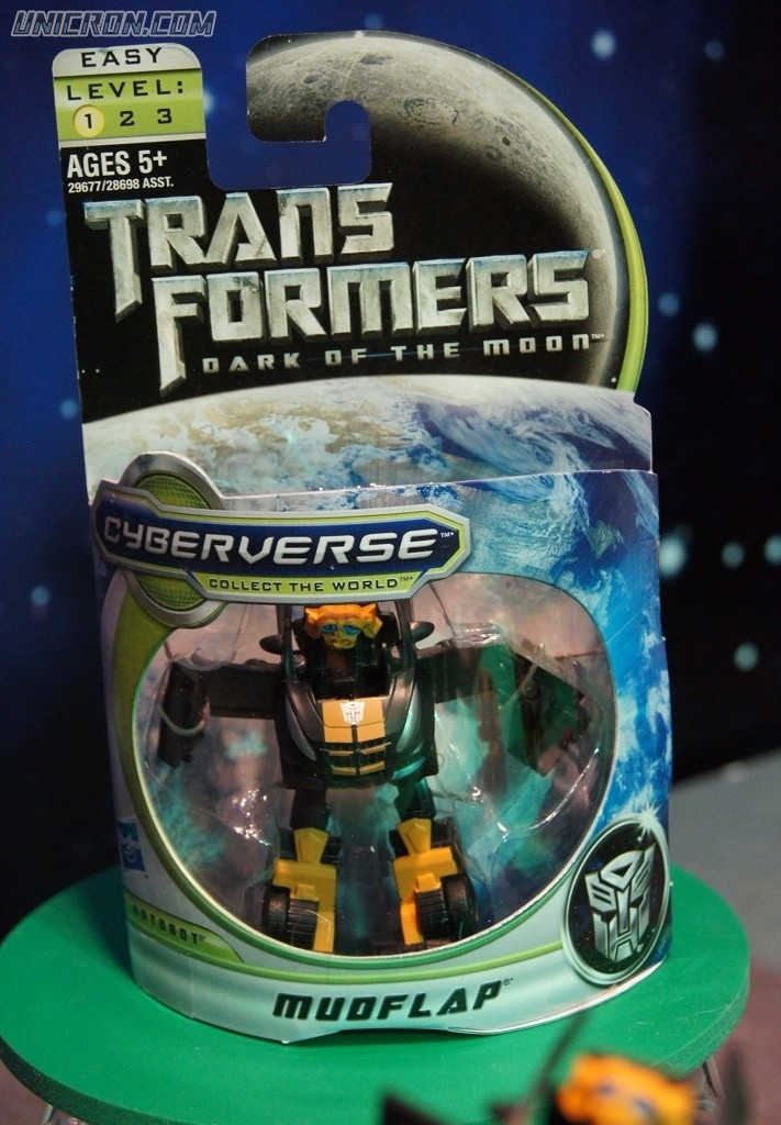 Transformers Cyberverse Mudflap toy