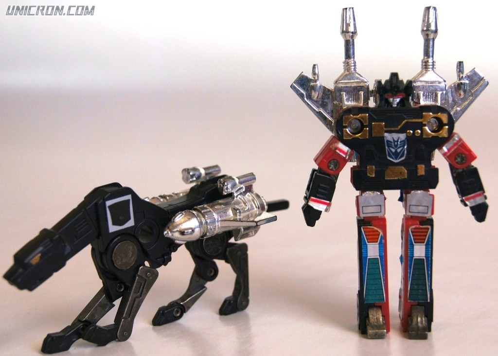 Transformers Generation 1 Ravage and Rumble toy