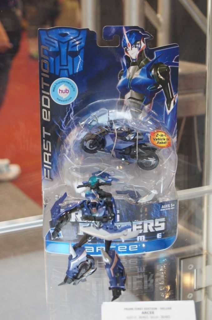 Transformers Prime Arcee (First Edition) toy