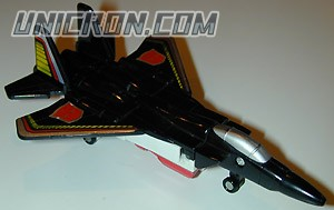 Transformers Generation 1 Air Raid (Arialbot) toy