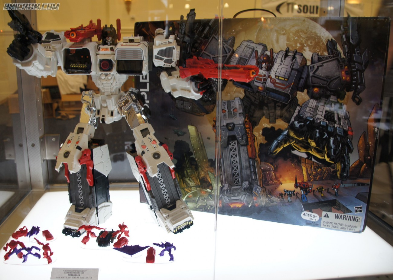 Transformers Generations Metroplex -SDCC version toy