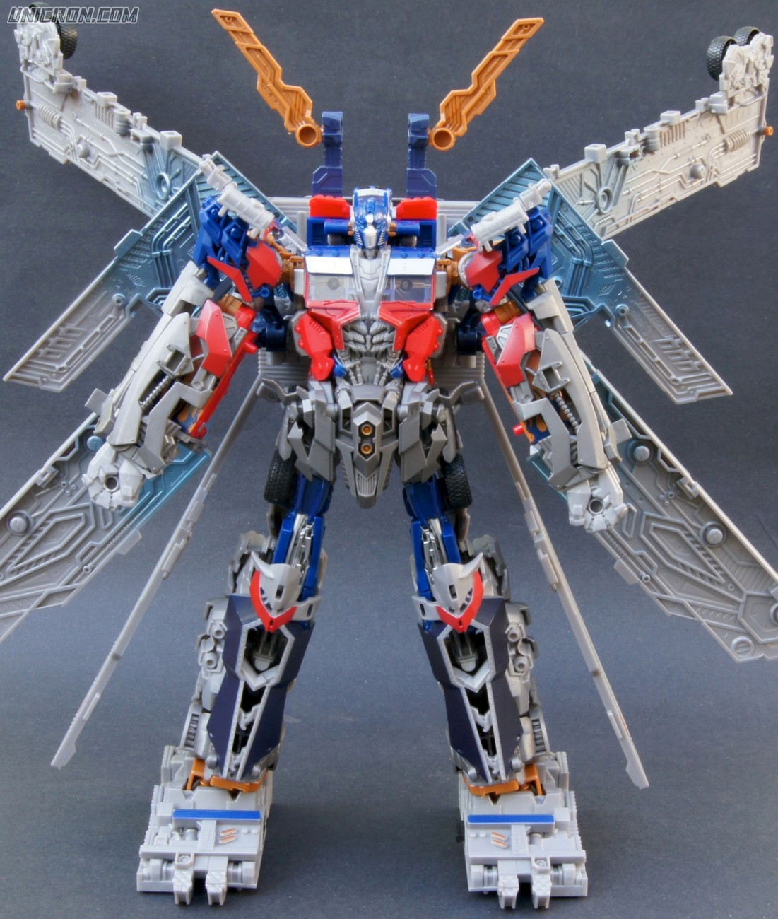 Transformers 3 Dark of the Moon Ultimate Optimus Prime toy