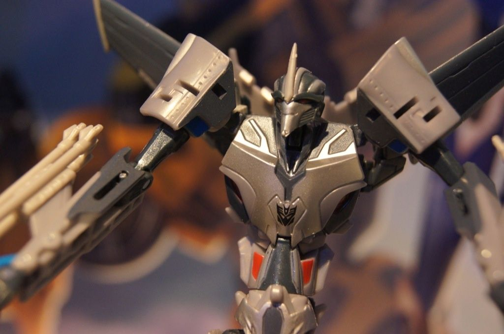 Transformers Prime Starscream (First Edition) toy